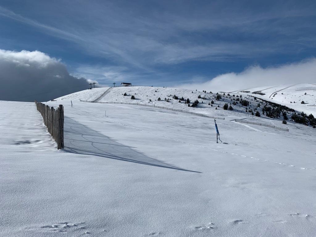 Estació d'esquí de La Molina amb nevada recent, el 3 de maig del 2021